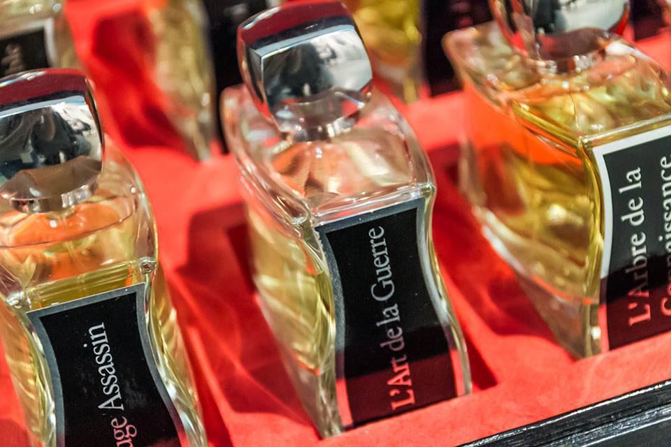 Parfums jovoy à la majestueuse bordeaux