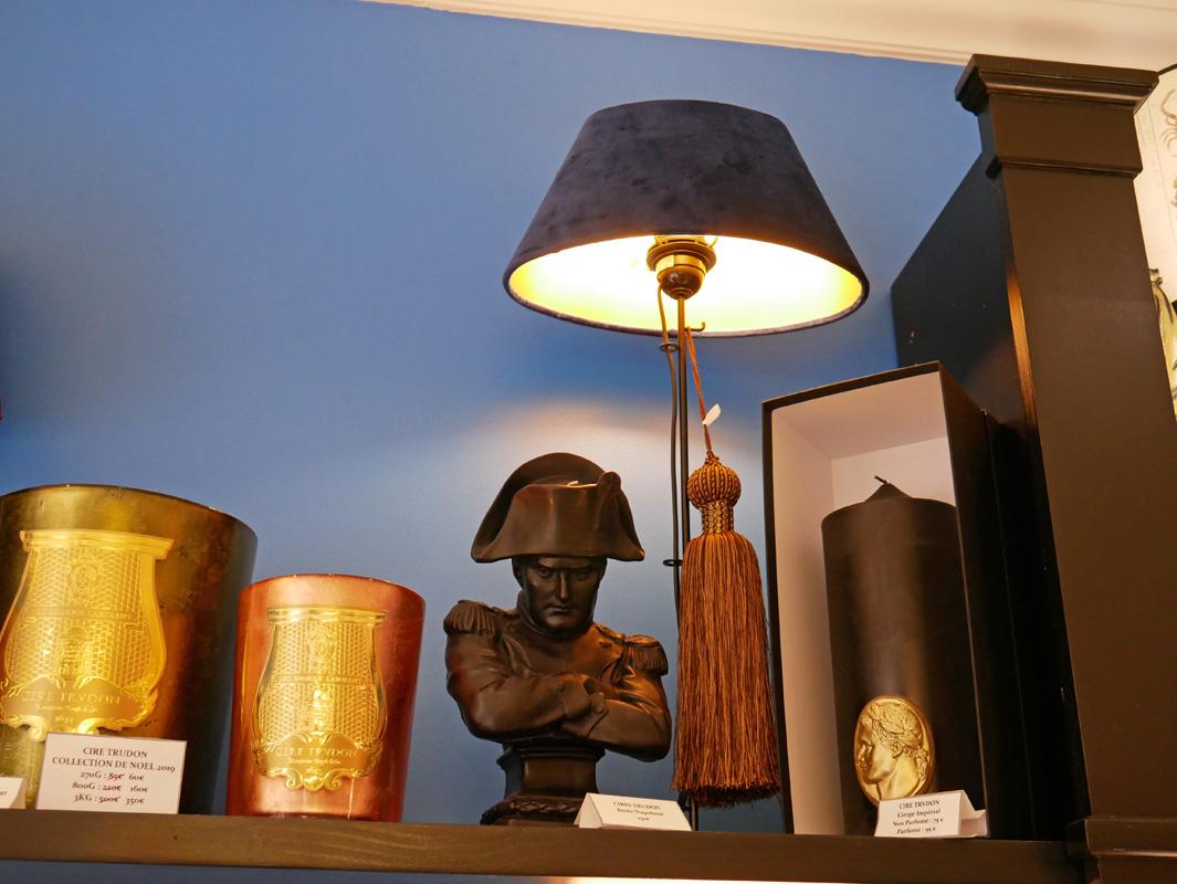 lampe bleu velours la majestueuse bordeaux